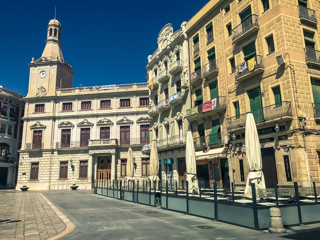 Coronavirus a Reus, plaça Mercadal..